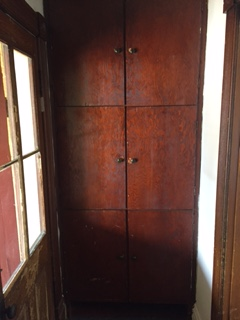 700D built in closet cabinet space