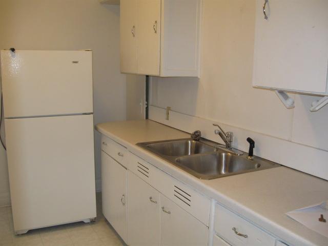 700C Kitchen